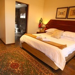 Double Bedroom/Shower A/c, Magalies Mountain Lodge