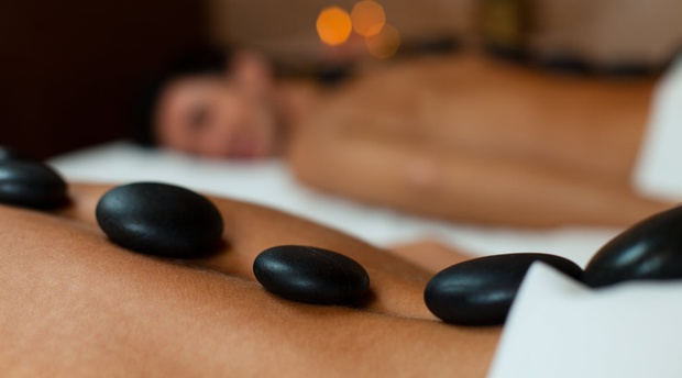 Midweek D,B&B and Full Body Massage per couple